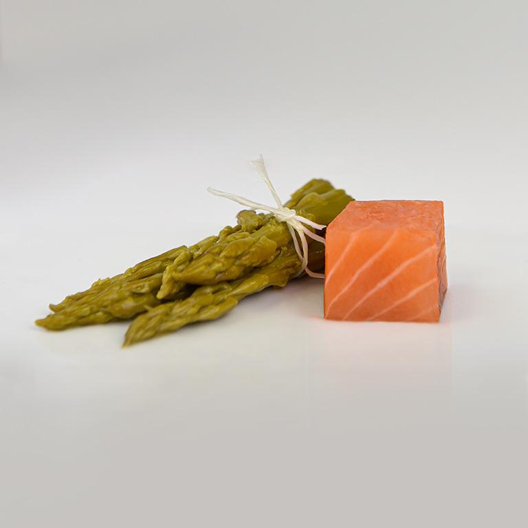Dé de saumon et asperges