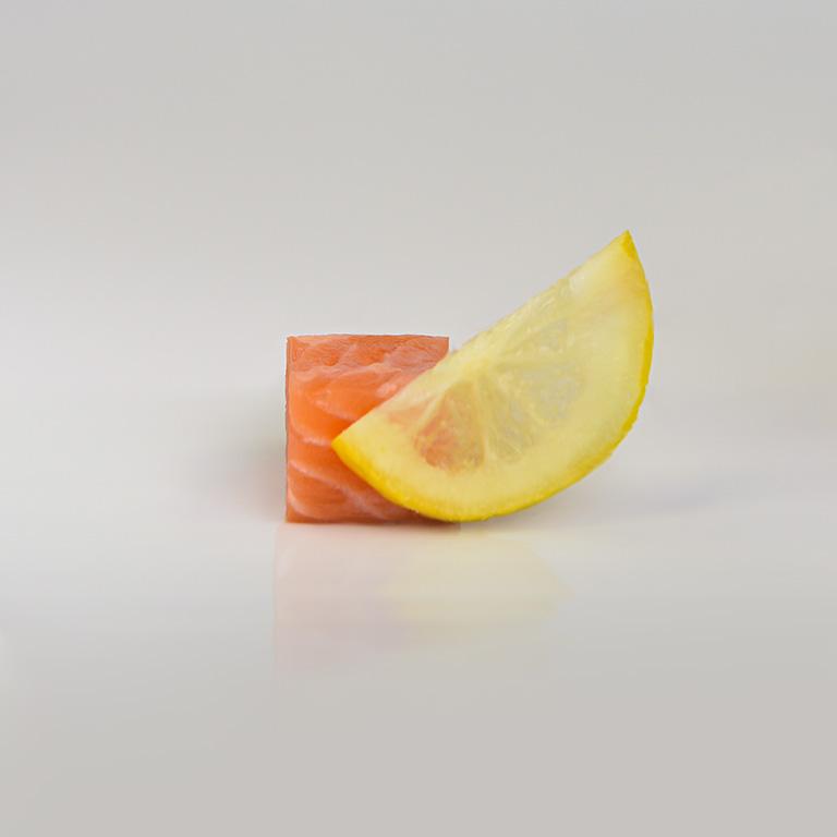 Dé de saumon et citron