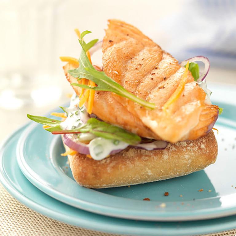 Crostini de Saumon écossais Label Rouge et salade au fromage frais