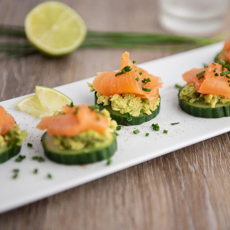 Amuse bouche de saumon écossais label rouge, avocat et concombre