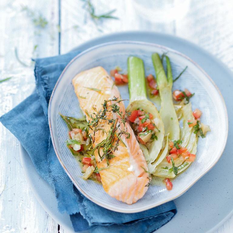 Pavé de saumon au BBQ aux herbes grillées, sauce vierge au citron confit