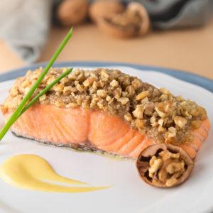 saumon en croûte de noix